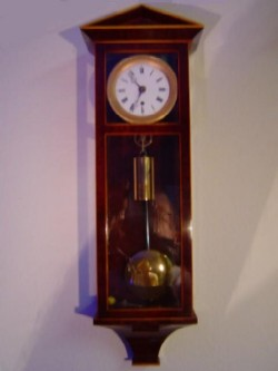 Vienna miniature clock, Full view.