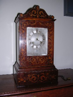 French clock, Full case view.
