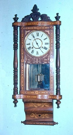 Anglo-American wall clock, Full front view.