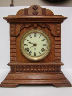 Ansonia mantle clock, Full front view.